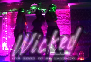 wicked_club_dancingonbar2